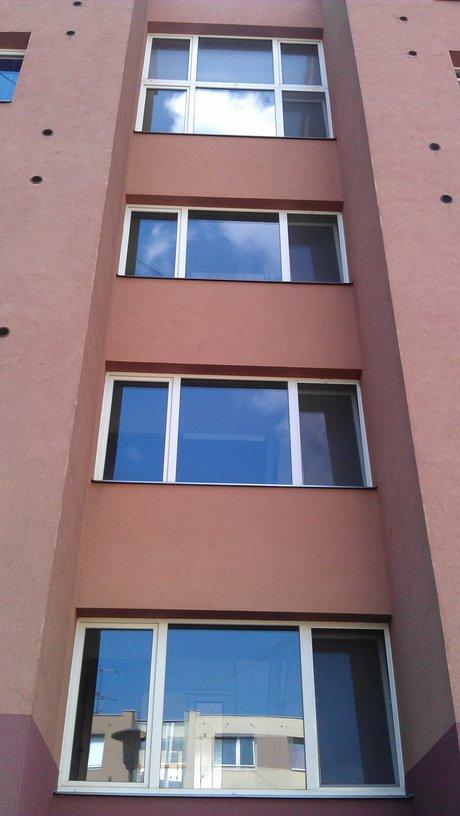 Čebín, mytí oken, čištění koberců, fasád